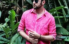 Look com Camisa de Linho Rosa