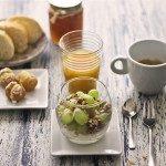 Pra Começar Bem o Dia! Taça de Iogurte, Frutas e Granola