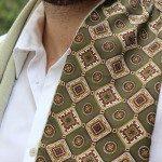 ESTILO T | Look com lenço no pescoço